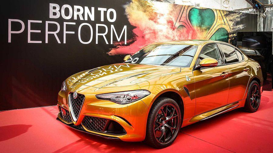 作為復古車賽的獻禮,Alfa Romeo Giulia換上一套美麗的外衣亮相了