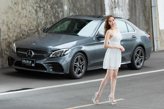 Date With LUCY - Mercedes-Benz C300    華麗的蛻變