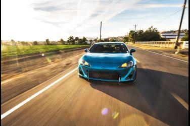 幫Toyota 86多加兩個汽缸  1/2英里通過末速275km/h !!
