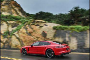 跑車的靈魂  Porsche Panamera GTS !!
