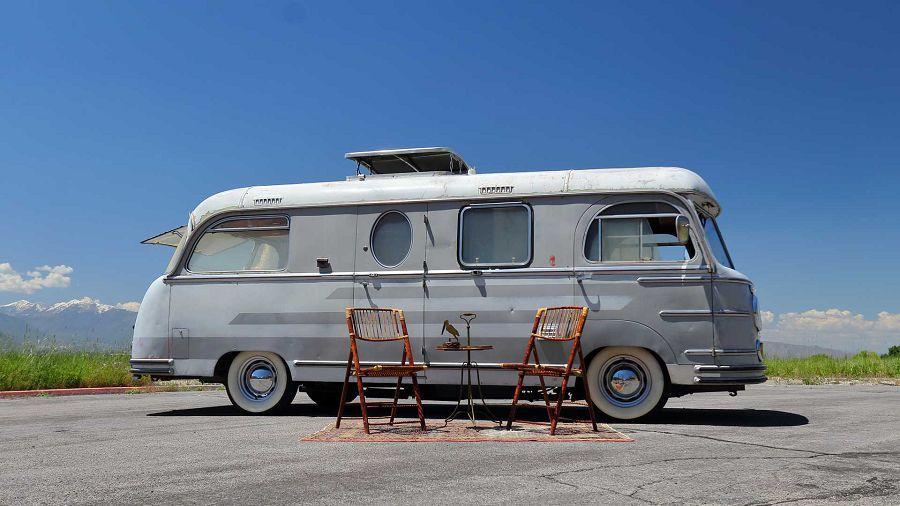喜歡Porsche嗎?那麼何不住在這輛露營車裡面呢?