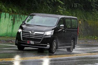 9人座商旅神兵  Toyota Granvia(下) !!
