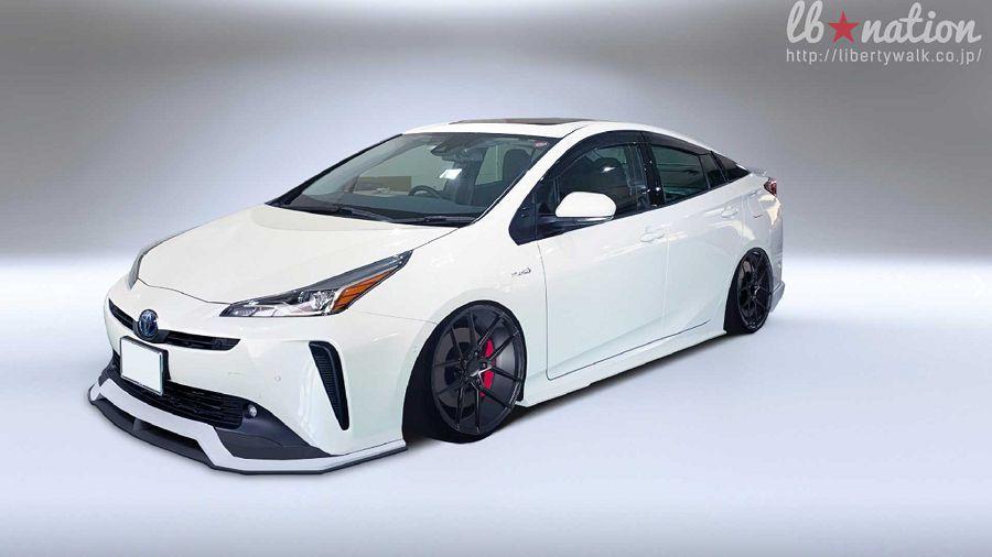 要不要替你的Toyota Prius換上Liberty Walk的車體套件呢?