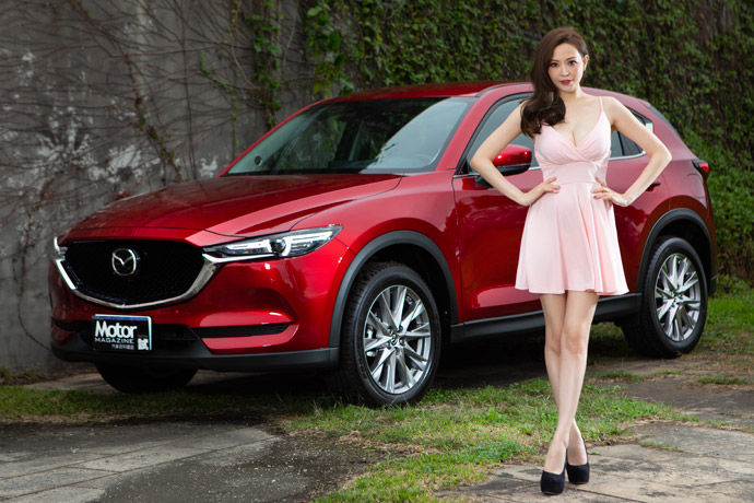 Date With LUCY - Mazda CX-5    平成魂動風