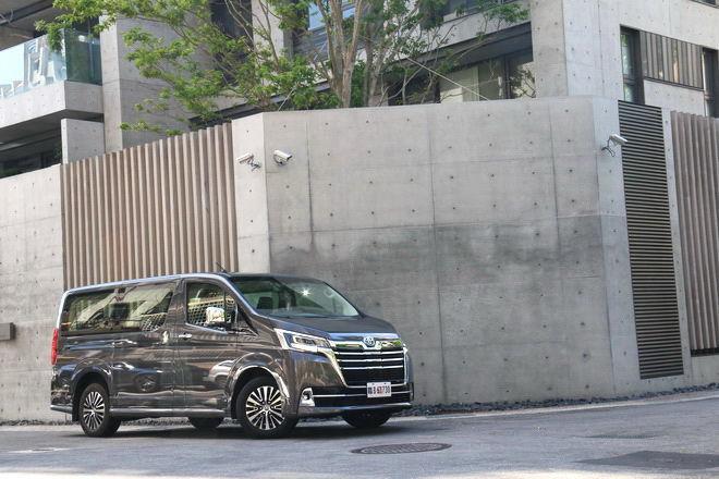 商旅之戰竄起新秀 Toyota Granvia豪華九人座商旅車試駕