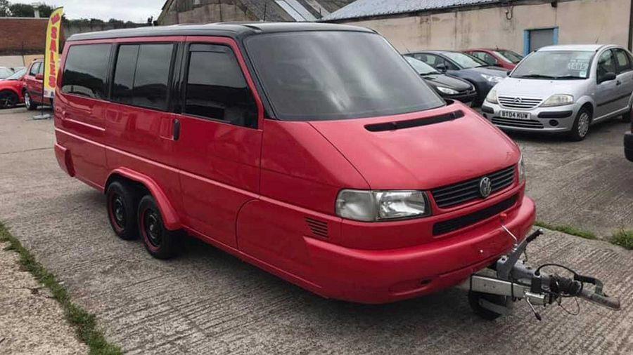 有人居然把VW Transporter變成一部露營拖車了?