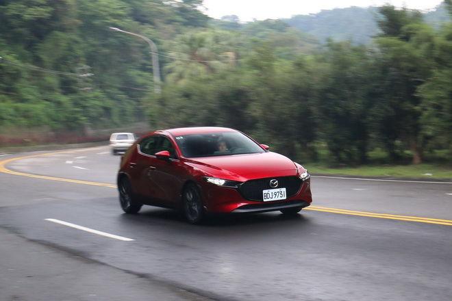 令和第一美女,Mazda3 五門BOSE旗艦型試駕: Page 2 of 2