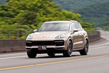 顛覆物理定律  Porsche Cayenne Turbo !!