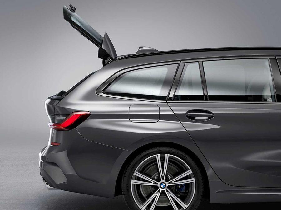 開始為cost down鋪梗?? BMW表示太多3系列/5系列旅行車主不知道尾門有上掀尾窗設計!