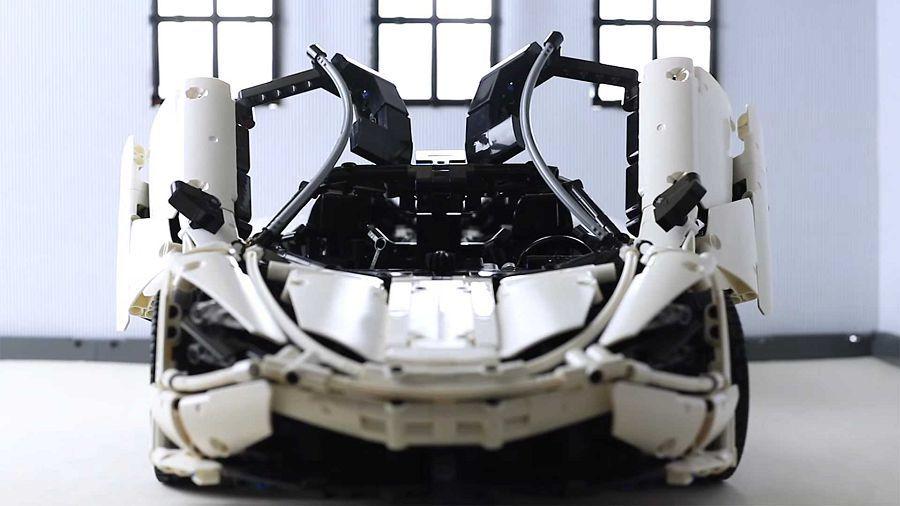 耗時兩年完成了這輛讓人驚豔不已的Lego Technic McLaren 720S