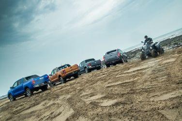 玩沙就靠它!皮卡皮卡! (下)  Toyota Hilux + Ford Ranger + VW Amarok + SsangYong Rexton Sports !