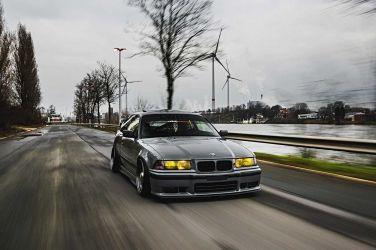 這絕對是大家的典範  1992 BMW E36 320i !