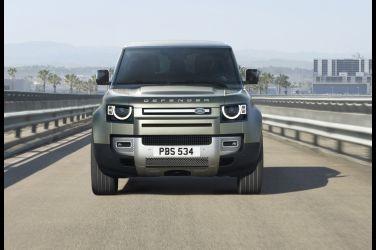 時尚化越野硬漢  Land Rover Defender !!