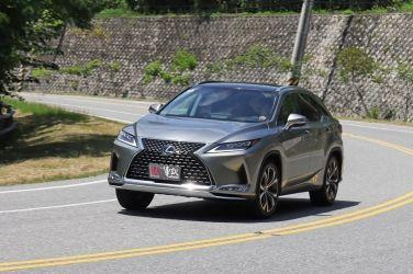 [影音] 依舊是霸主  Lexus RX 300旗艦版 !!