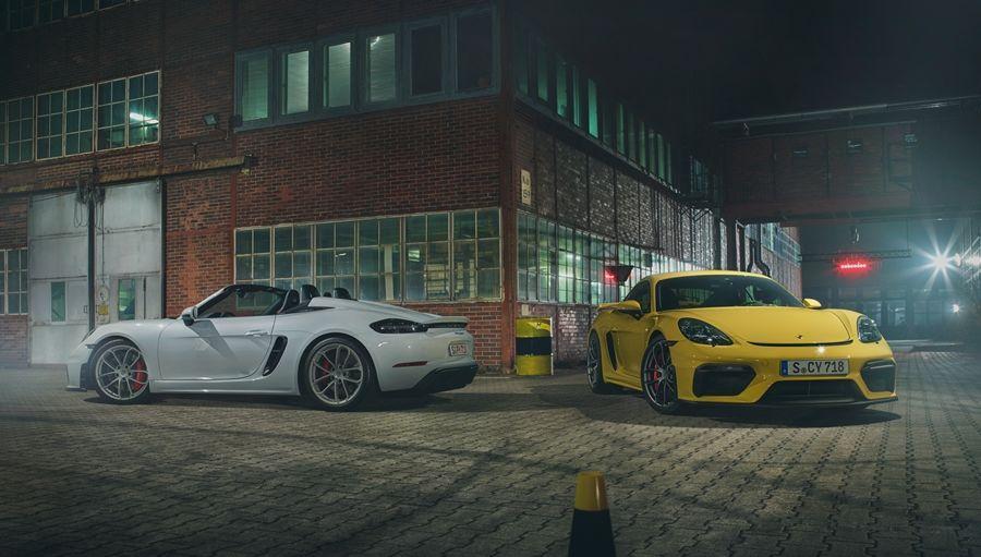 吸一口4.0升的大氣!全新Porsche 718 Cayman GT4與718 Spyder熱血登場