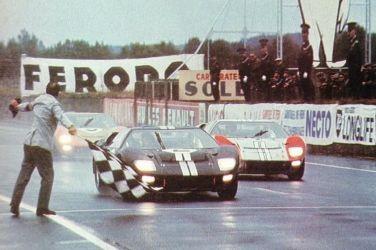 電影《賽道狂人》重現賽車史經典之役   Ford GT40賽車與Ferrari同台較勁勝出 寫車壇傳奇 !