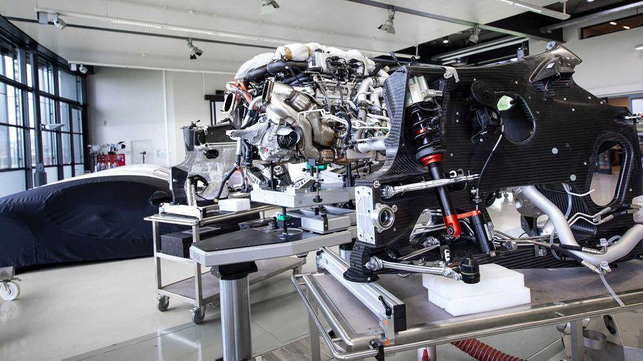 Bugatti強調:「內燃機引擎是尖端的動力技術工藝」