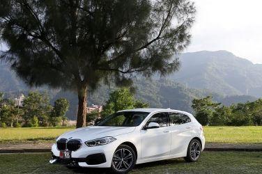 均衡好手  BMW 118i 豪華運動版 !!