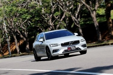 電能前鋒  Volvo V60 T6 Twin Engine Inscription !