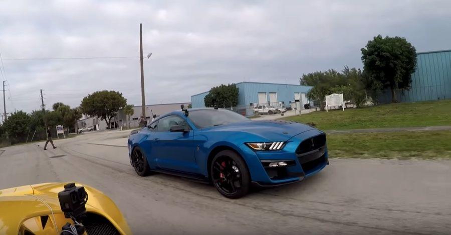 影/760匹馬力Mustang Shelby GT500還跑不贏這輛Ford?
