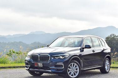 少兩缸更合宜  BMW X5 25d xDrive旗艦版 !
