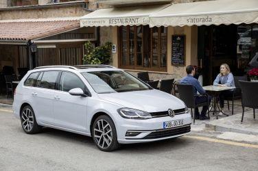 入主20年式VW Golf即享首次15,000公里免費保養、高額零利率和第5年延長保固 !
