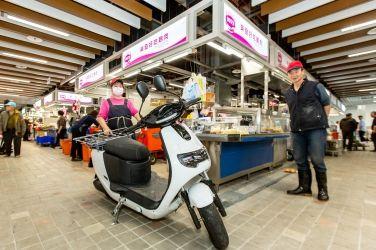 揮別傳統擁抱綠能 無噪音、無廢氣排放 eMOVING iE PICKUP 進駐台北新環南市場
