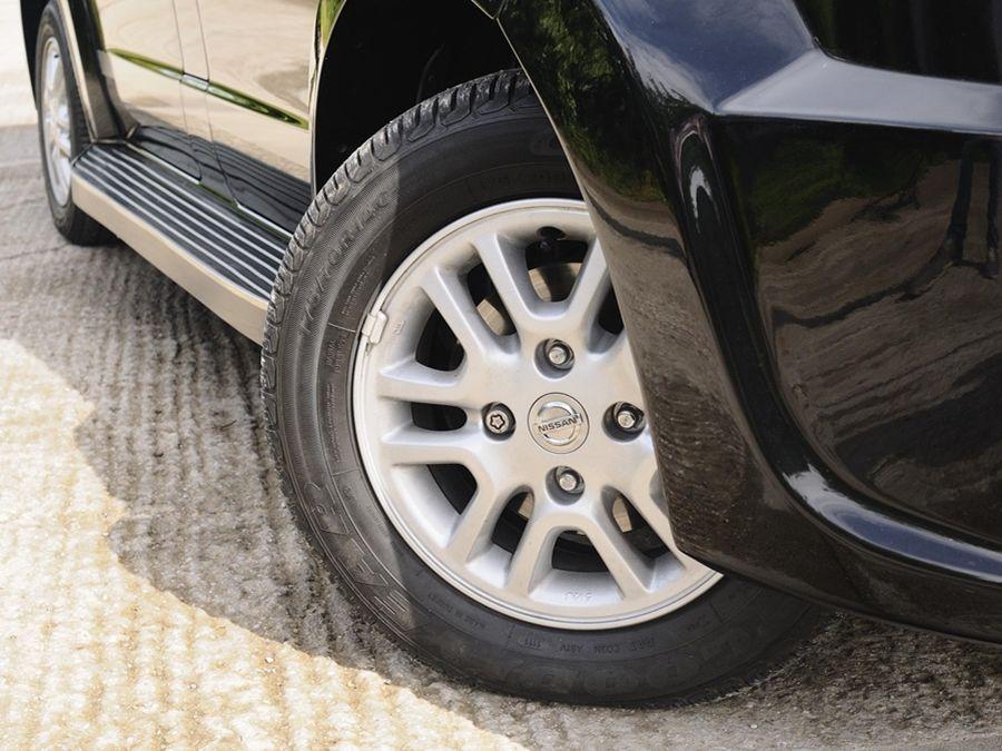 輪胎磨到快平?用不明廉價機油?小心養車的陷阱!
