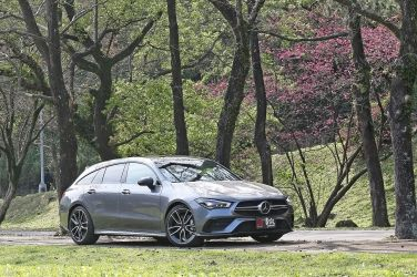 天生好鬥  Mercedes-AMG CLA35 Shooting Brake !