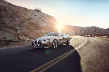 2020日內瓦車展—裝飾就該大 BMW Concept i4