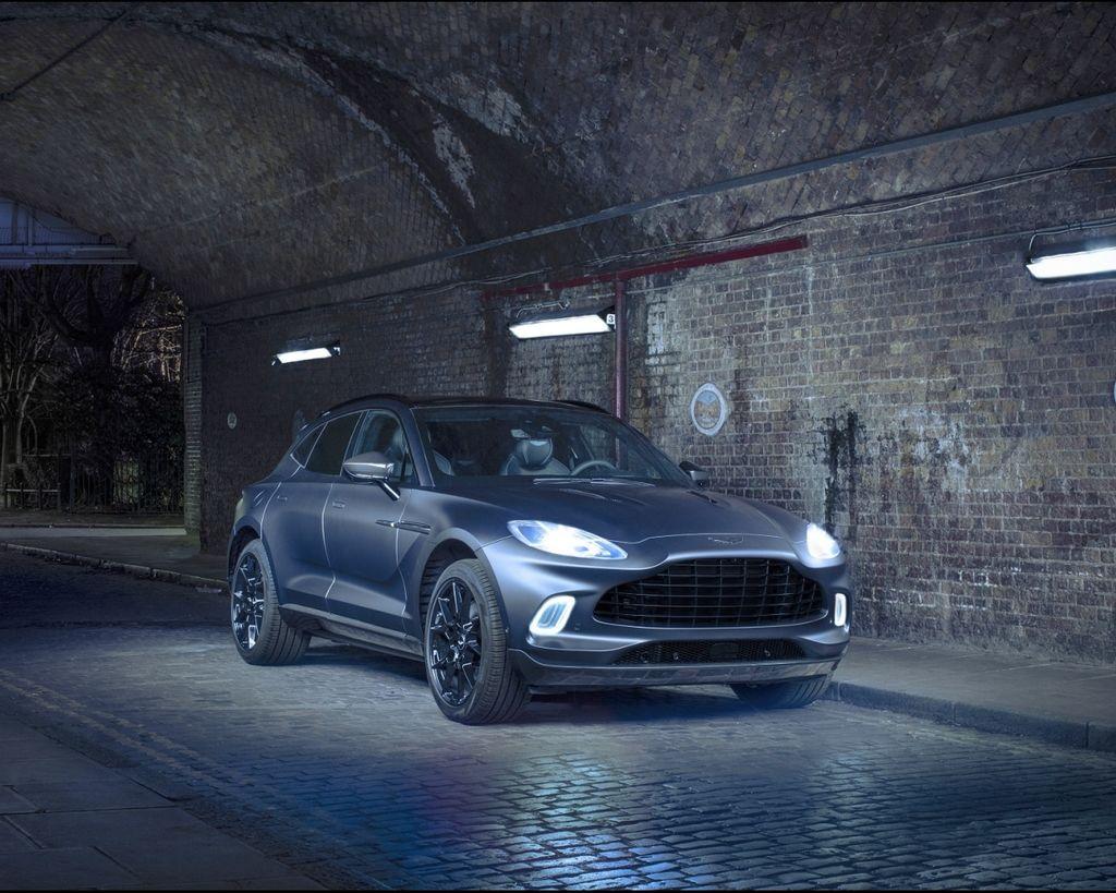 2020日內瓦車展 — MI6幫你客製化 Q by Aston Martin DBX(同步展演Aston Martin Vantage Roadster)
