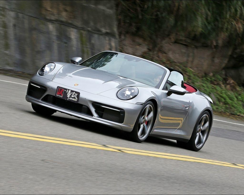 崇尚陽光 Porsche 911 Carrera S Cabriolet