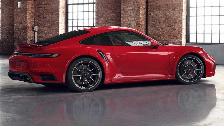 Porsche Exclusive展示動人的亮紅色911 Turbo S