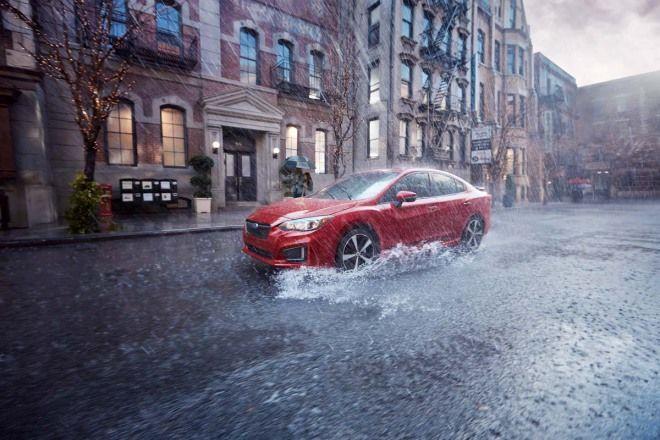 愛車Q&A:下雨天為什麼車子好像停不下來?