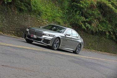 跑格旗艦 BMW 730i Edition M