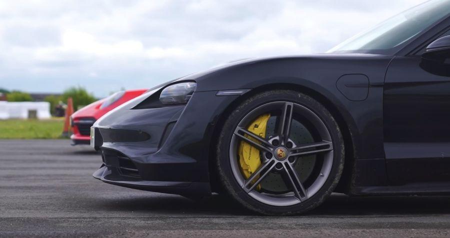 影/Porsche 911 Turbo S挑戰沒有渦輪的Taycan Turbo S!