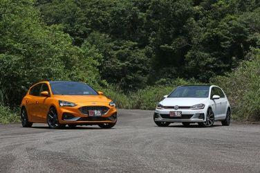 世仇鋼砲〝決殺 〞(上)Ford Focus ST vs. VW Golf GTI Performance