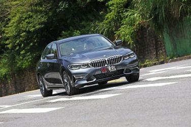 華麗入門 BMW 318i Luxury