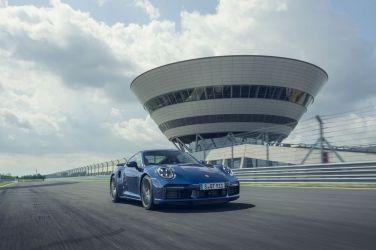 高性能跑車標竿 Porsche 911 Turbo