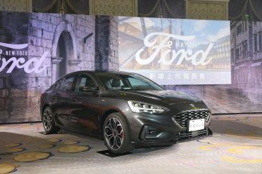 四門也要耍帥   Ford Focus 4D ST-Line Lommel