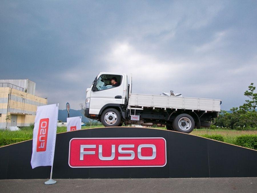 想成為馬路英雄? 即刻報名「FUSO商用車安駕訓練營」