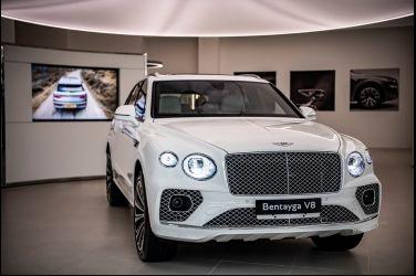 科技大躍進 小改款發表 Bentley Bentayga V8