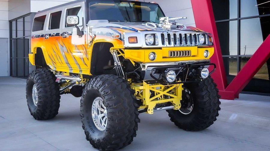 不只是車高,這部Hummer H2真的很「突出」