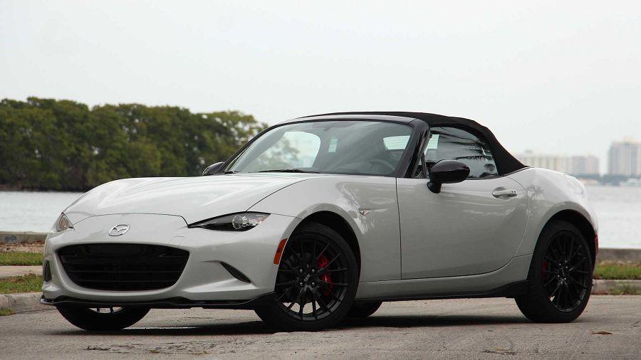 新科技和新車色能否促使客戶下訂新的 2021 Mazda MX-5 Miata呢?