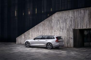 Volvo S60、V60 全新年式正式抵台 MHEV、PHEV 動力升級登場