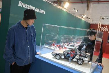 世界の大模型車展 松菸開幕 不用出國也能賞海外名車模型 最狂模型車展開幕 展件數量超越日本 史上第一次 重現經典場景!世界の大模型車展打造逼真3D實景 恐掀打卡熱潮