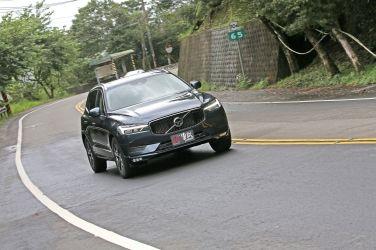 [試駕] 輕油電生力軍  Volvo XC60 B4 Momentum Plus