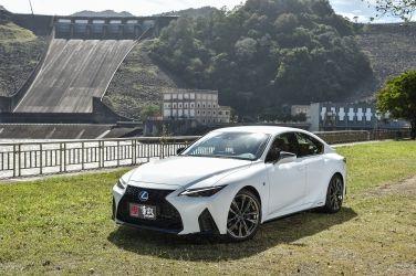 [試駕] 霸氣入味 Lexus New IS 300h F Sport