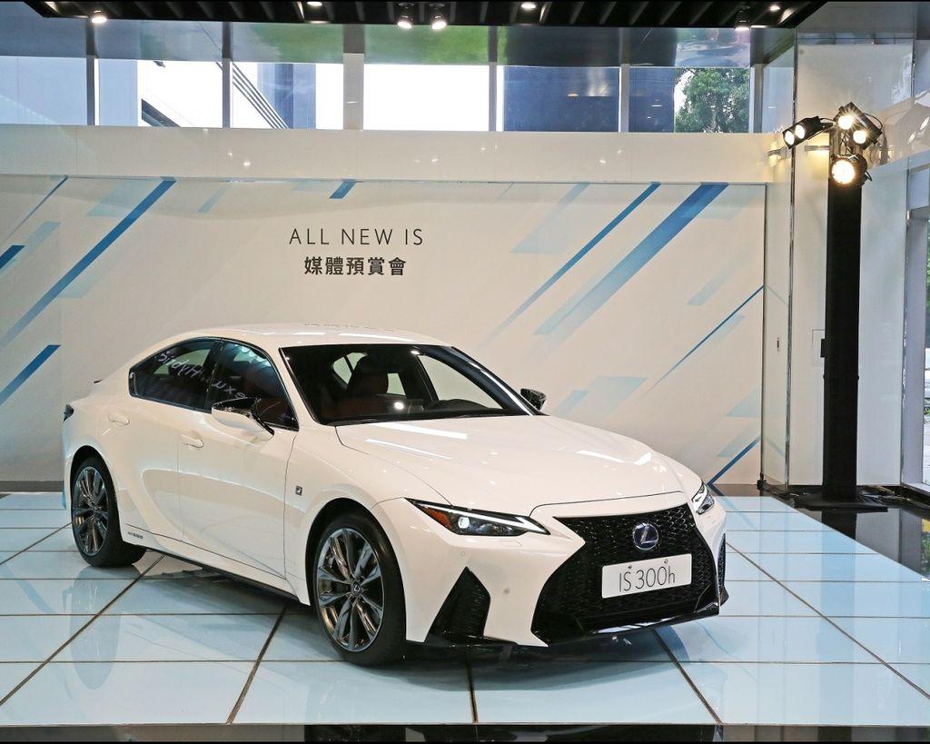 小改款大變革 Lexus IS公佈預售價