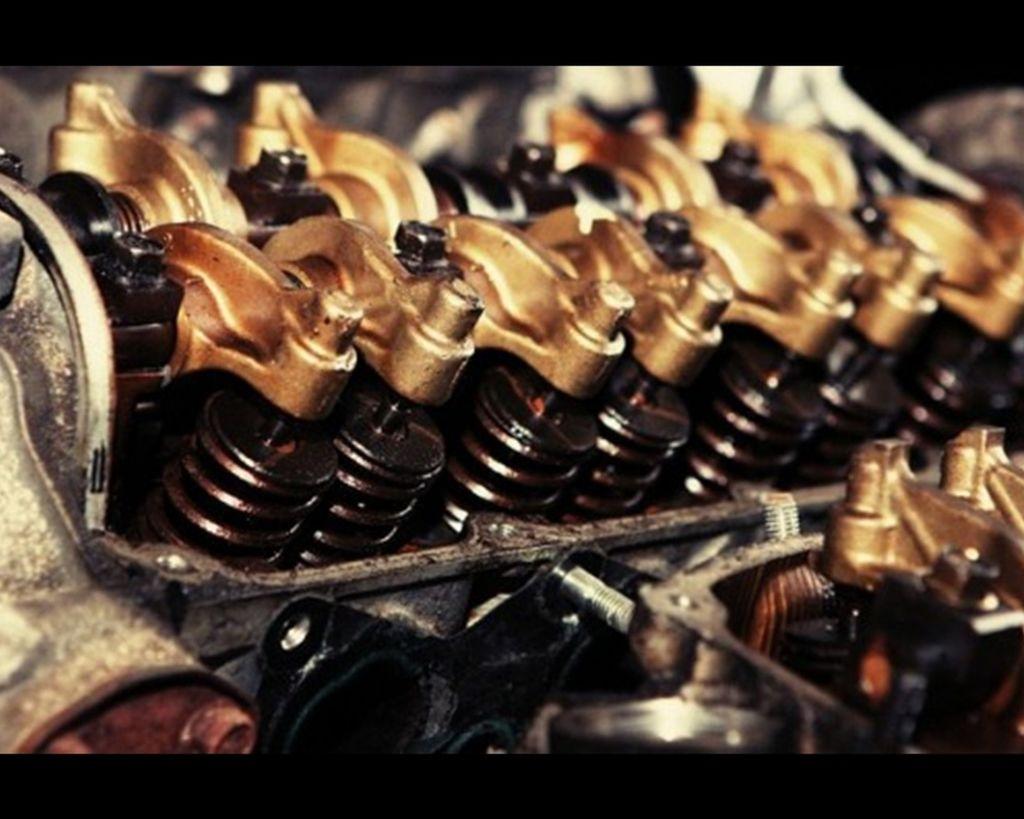 汽車引擎的工作原理:詳細解說變速箱、離合器與曲軸的運作方式